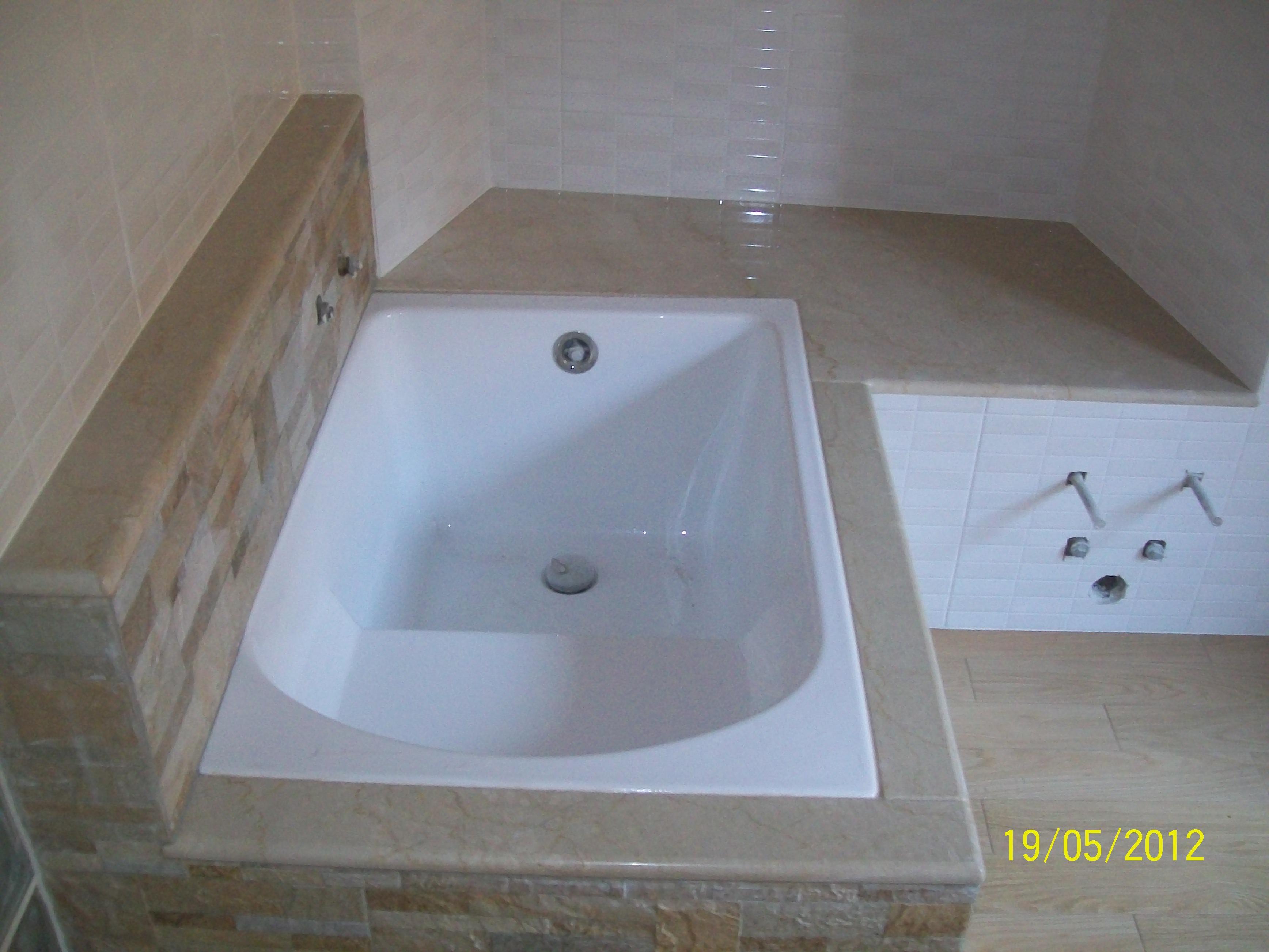 Realizzazione bagno con rivestimento in pietra non solo - Non solo bagno milazzo ...